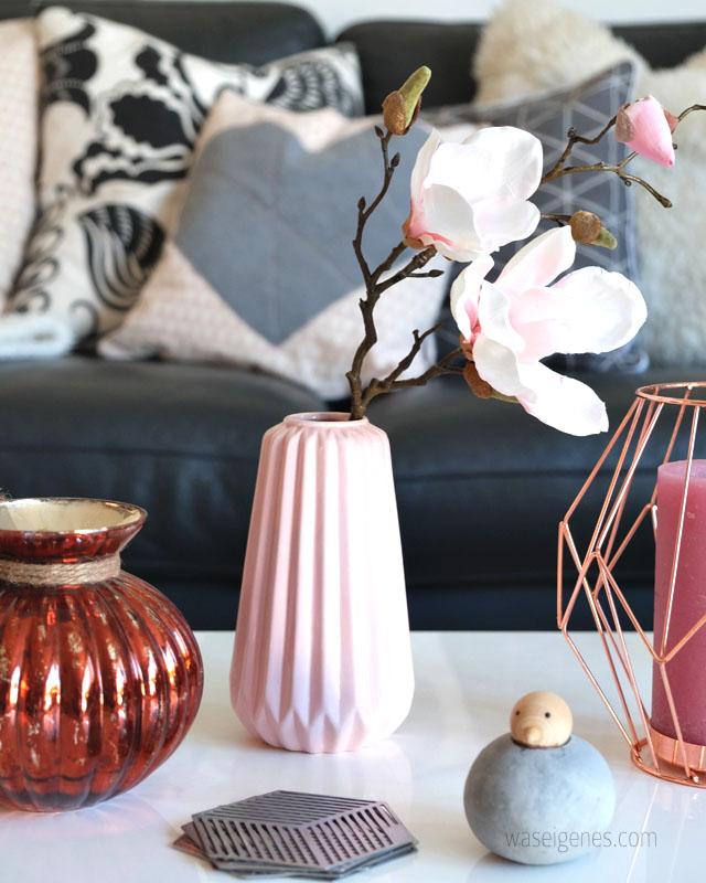 Wohnzimmer | rosa grau schwarz weiss kupfer | Einrichtung | Vase | waseigenes.com