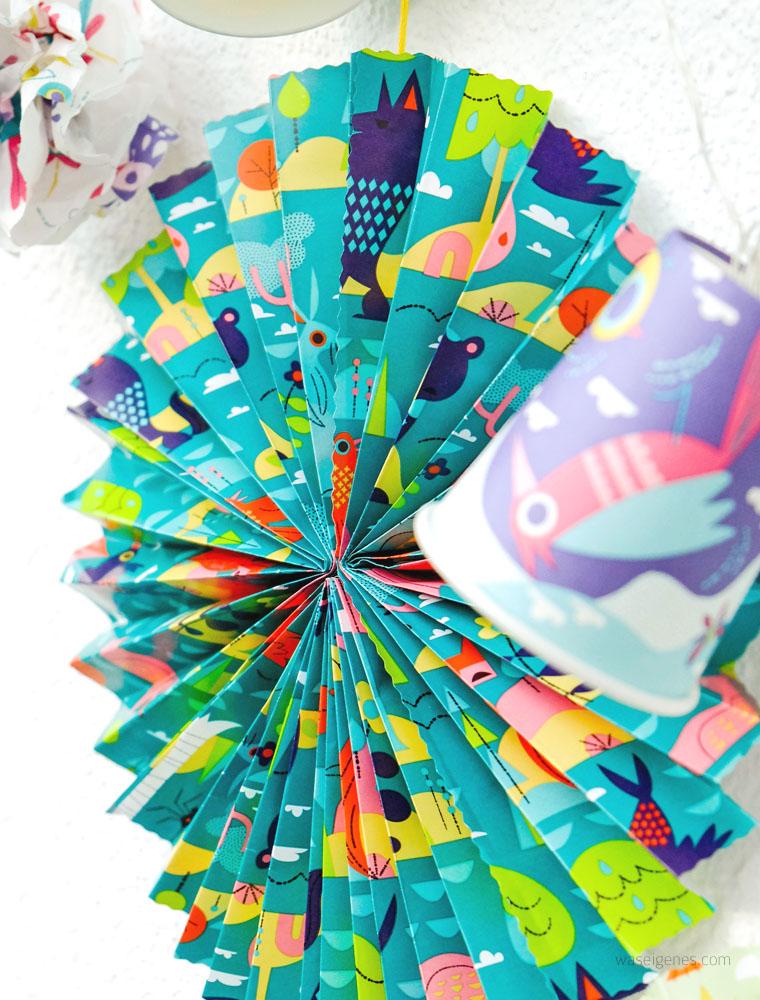 DIY Papier Rosetten aus Geschenkpapier | waseigenes.com