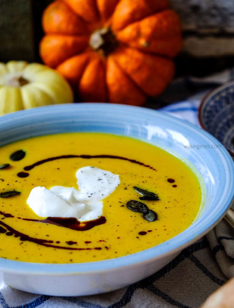 Mein liebstes Herbstgericht | Kürbissuppe mit Süßkartoffel, Ingwer, saurer Sahne und Kürbiskernöl | waseigenes.com