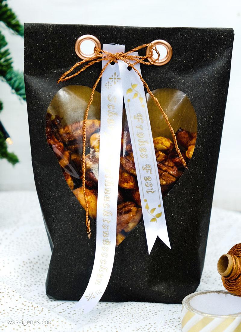 Rezept: scharfe Weihnachtsnüsschen   Bastelanleitung Papiertüten   selbst gedruckte Textillabel   waseigenes.com DIY Blog