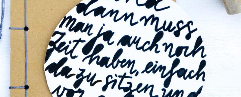 Und dann muss man ja auch nicht Zeit haben, einfach da zu sitzen und vor sich hin zu schauen   Astrid Lindgren   Adventskalender der guten Gedanken   waseigenes.com