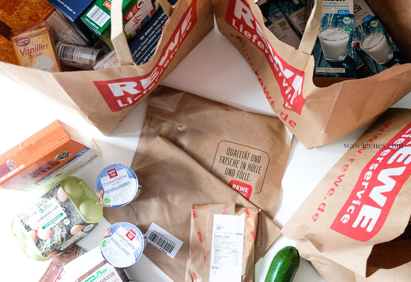 """Lebensmittel online bestellen und an die Haustüre liefern lassen   Ich habe bei REWE.de bestellt und aus den Zutaten """"Gefüllte Zucchini"""" gekocht   waseigenes.com"""