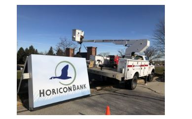 New sign at Horicon Bank in West Bend