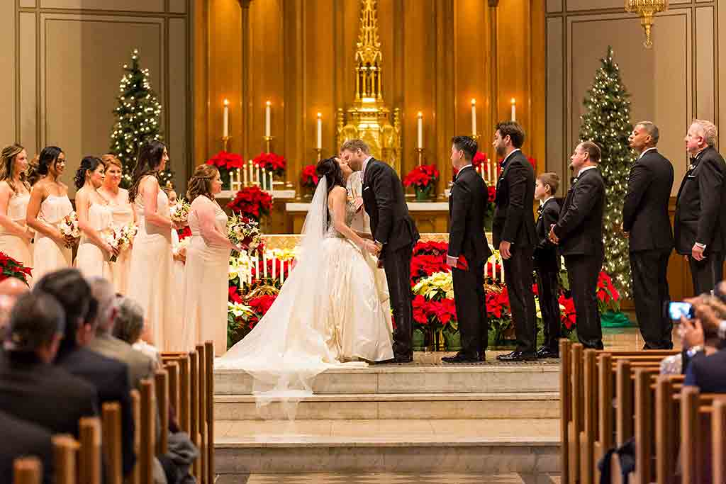 This ChristmasThemed Wedding Will Put You in The Holiday Spirit