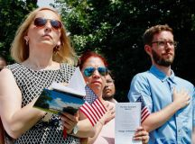 PHOTOS: US Naturalization Ceremony at Mount Vernon images 1