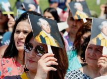 PHOTOS: US Naturalization Ceremony at Mount Vernon images 4