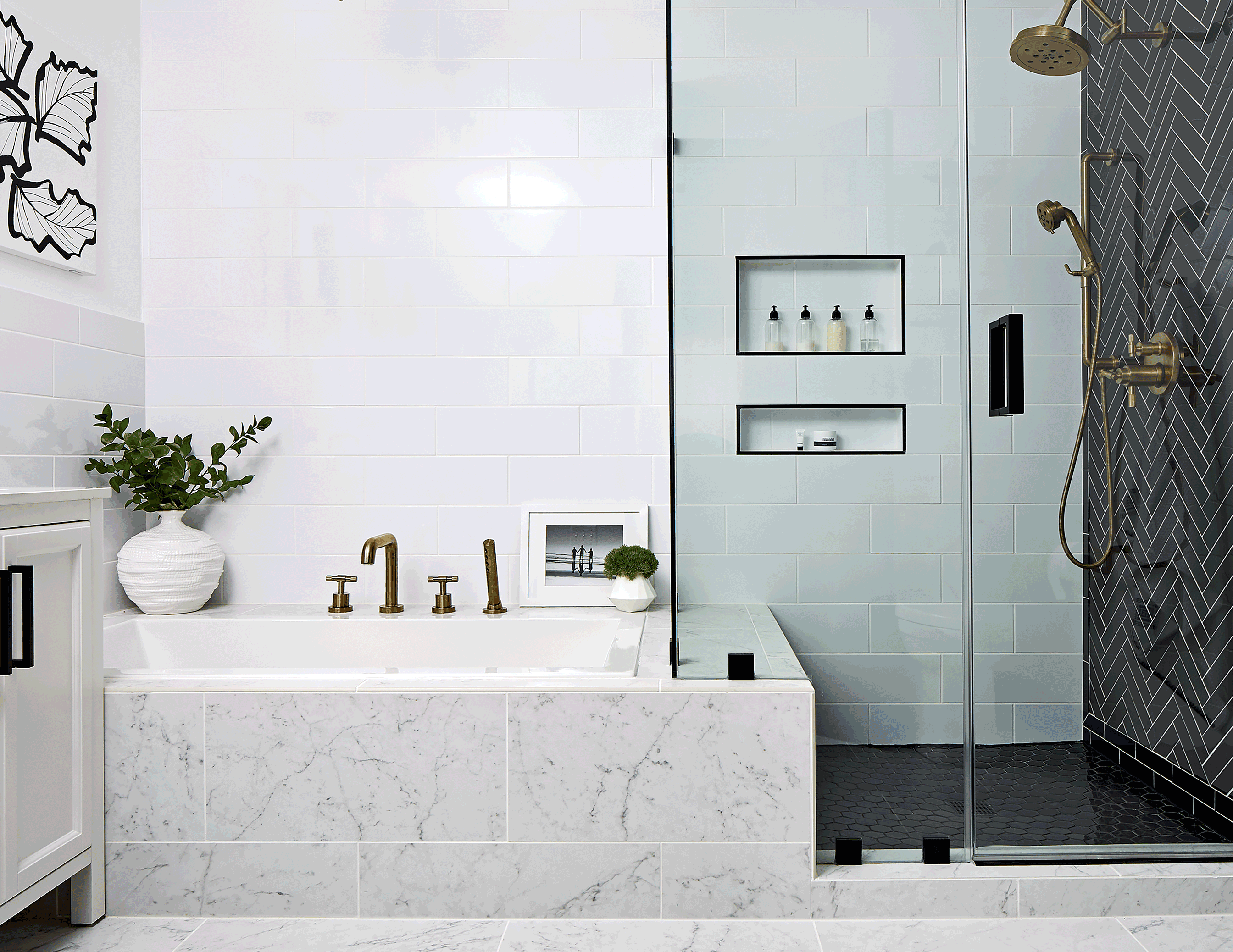 These 4 Cool Bathrooms Prove Black And White Isn T Boring