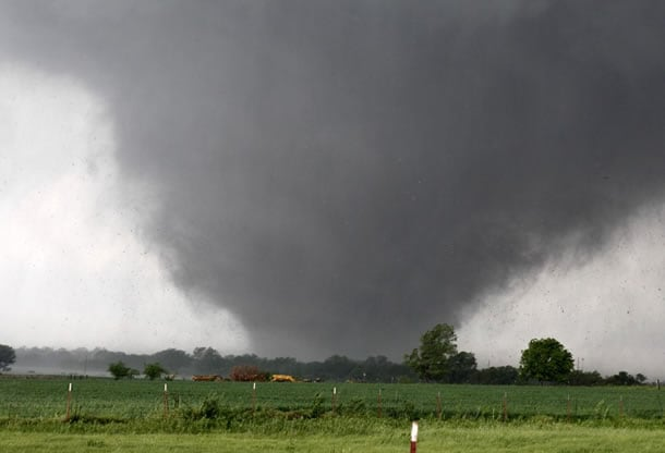 Tornado passes across south Oklahoma City, Monday, May 20, 2013. (AP Photo/The Oklahoman, Paul Hellstern)