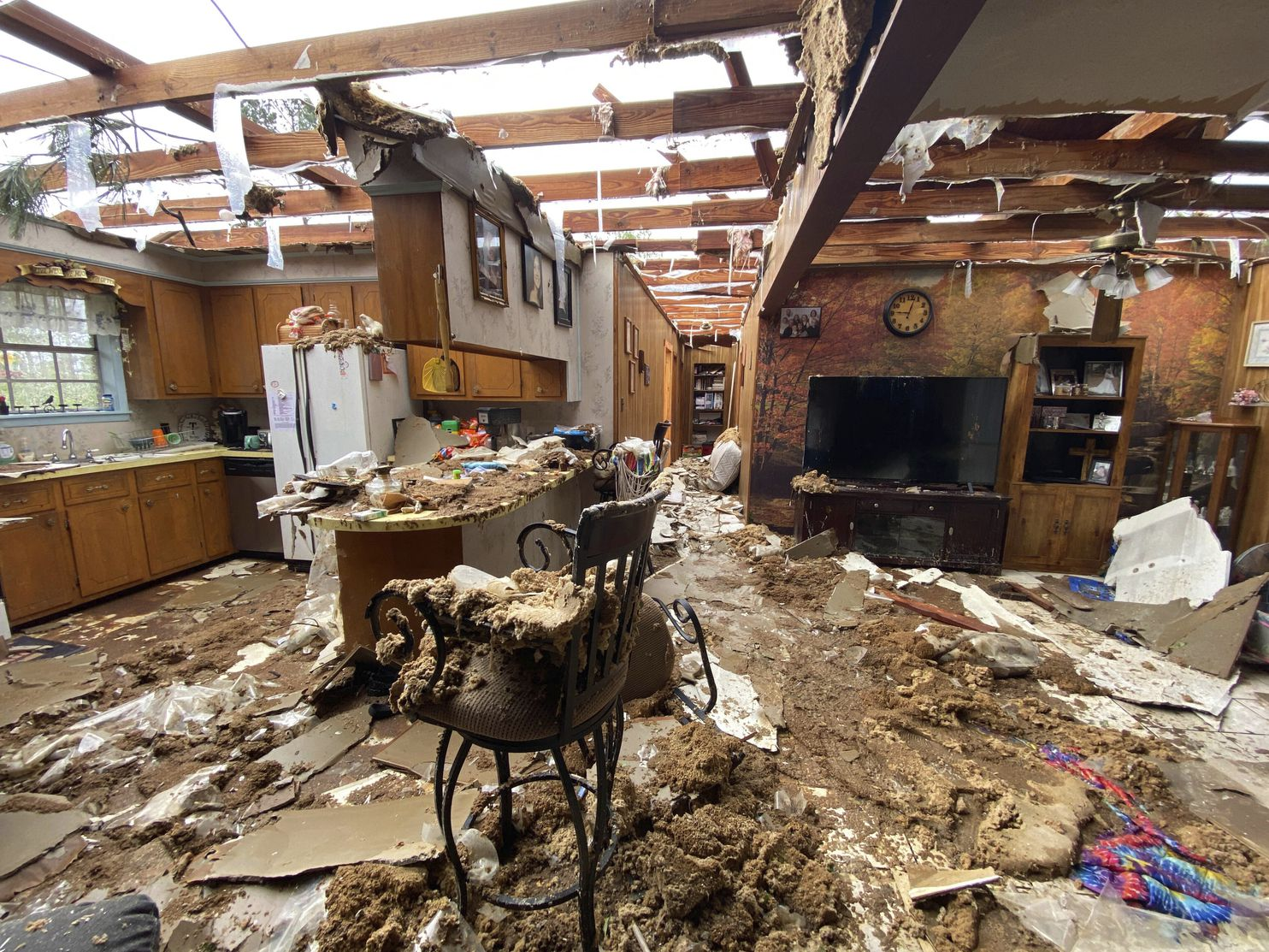 Severe Thunderstorms Tornadoes Hit South For Second