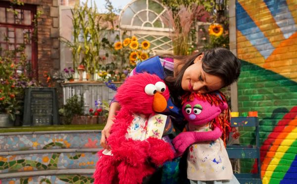'sesame Street' Introduces Lily Muppet