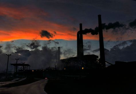 The American Electric Power coal-burning plant in Conesville, Ohio.  (Michael S. Williamson/The Washington Post)