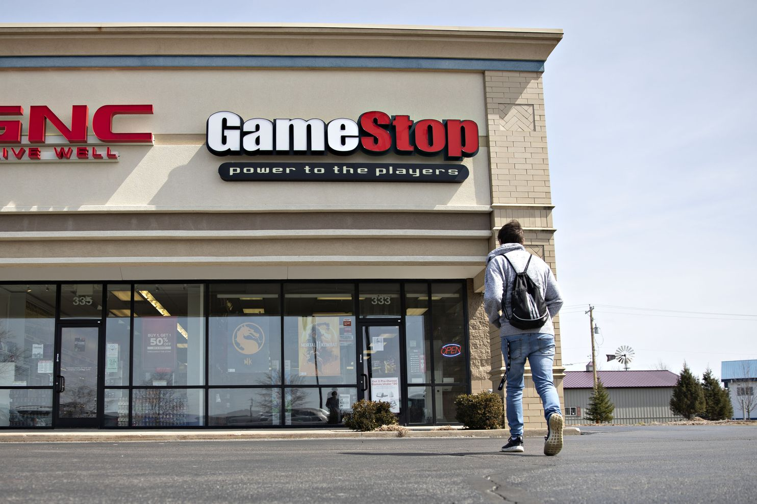 gamestop stock plunges nearly