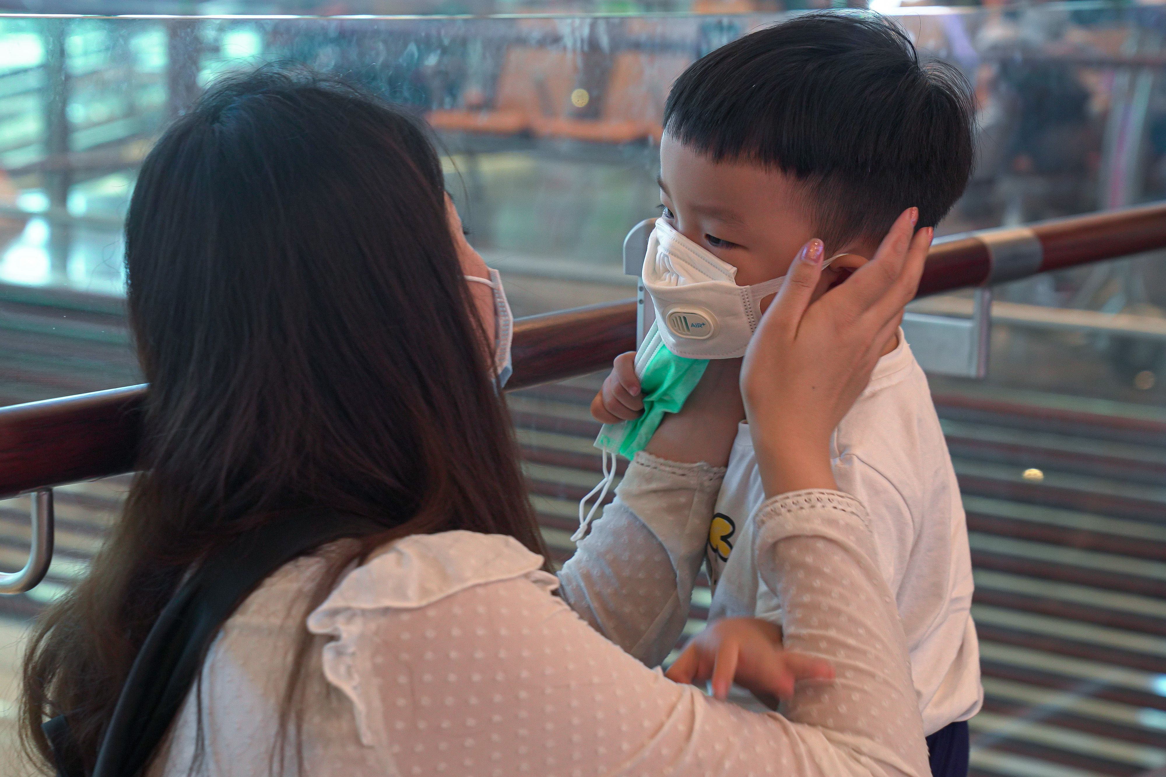 Chinese coronavirus infections, death toll soar as fifth case is ...