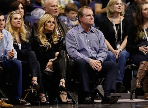 SFX4CWLJPRDDJDLKK64LNWGEM4 - Phoenix Suns owner reportedly threatens to move team to Seattle or Las Vegas