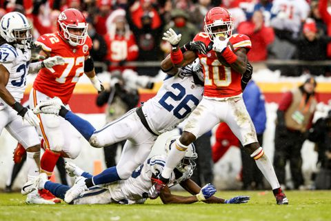 D6ENVZQWXAI6TK3ZGDGU66JG6I - Chiefs-Colts live updates: Kansas City builds early lead; Colts answer with blocked-punt TD