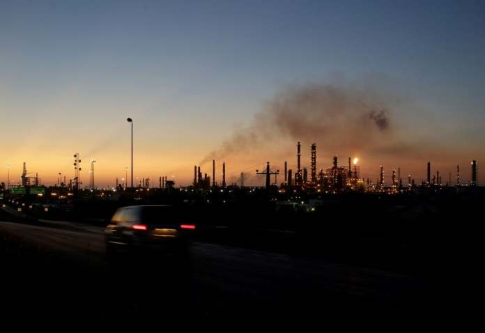 Pemex's Cadereyta refinery in the state of Nuevo Leon. (Daniel Becerril/Reuters)