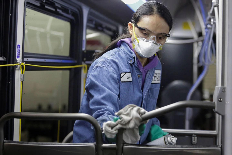 U.S. coronavirus death toll rises; cruise held off Calif. coast ...