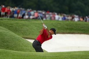 BHL25ZYZ5Y7TXIQBWVWVIM264A - Tiger Woods starts strong in the PGA Championship's final round