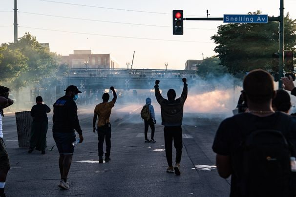 As fear settles over Minneapolis, protests and violent clashes spread across the U.S.