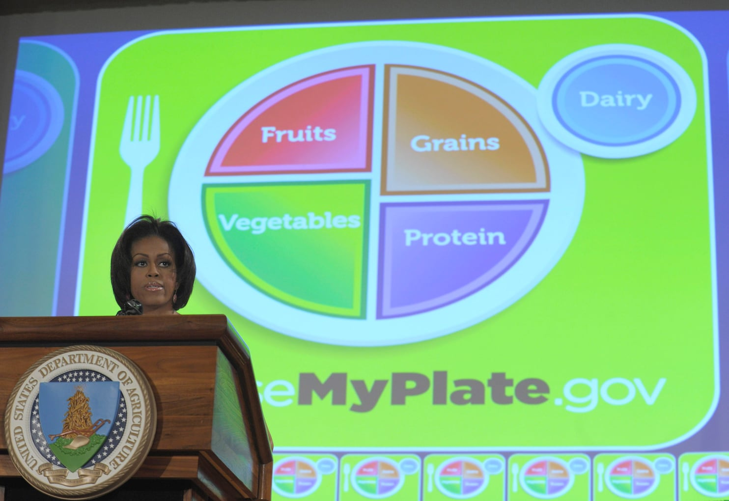 hight resolution of usda replaces food pyramid with myplate in hopes to promote healthier eating