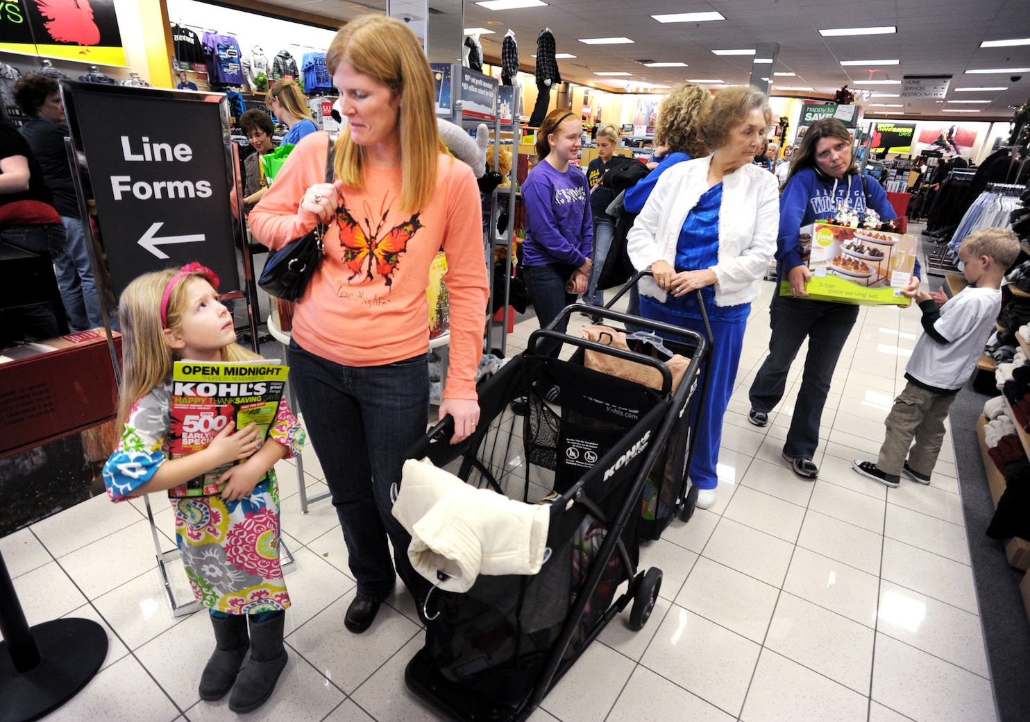 Kohl S Target Toys R Us Add To Early Holiday Shopping