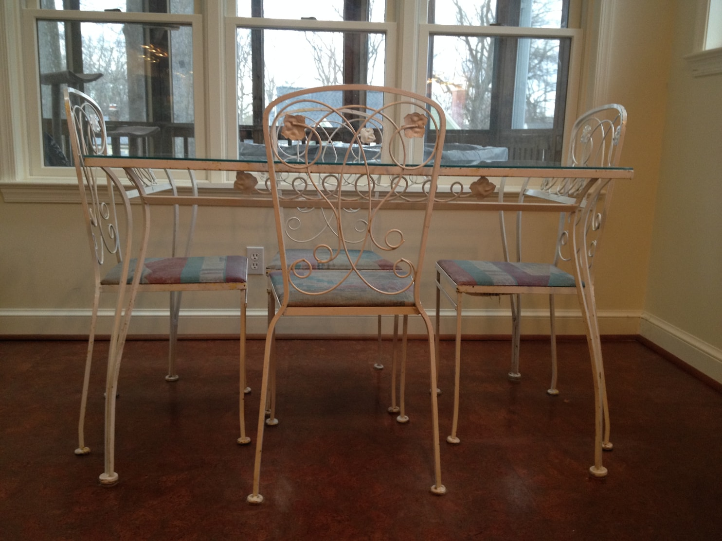 Strip And Repaint Wrought-iron Furniture