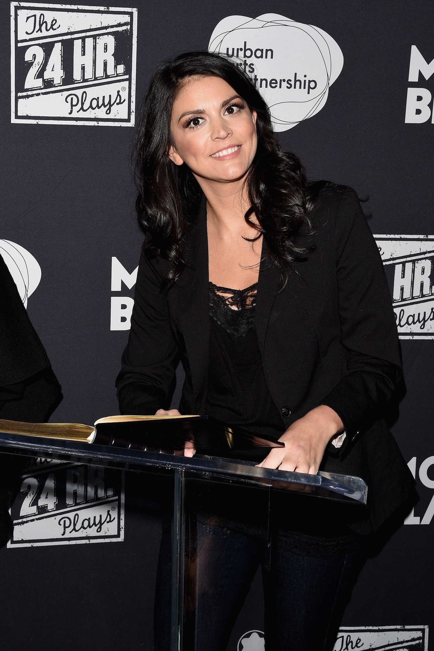 Cecily Strong of SNL to headline White House