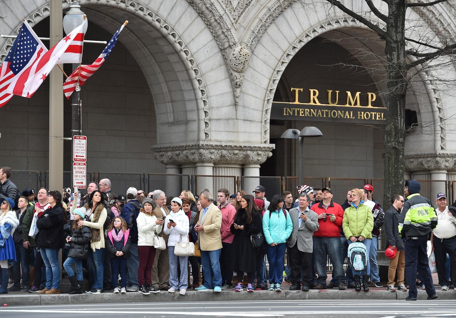 Workers Trump Washington Hotel Vote Join Union