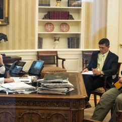 Behind The Chair Show 2019 All Weather Wicker Dining Chairs Trump Loves His New Desk In Oval Office But It Also