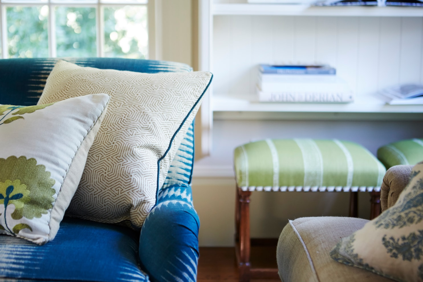 Rules For Throw Pillows That Mountain On Your Bed Is Probably Going Overboard The Washington Post