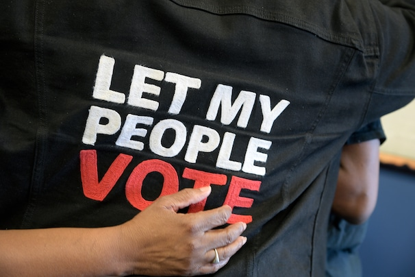 Judge rules Florida can't block felons from voting, even if they have unpaid fines