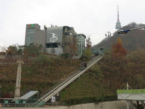SeoulNamsamHillTalstation.jpg