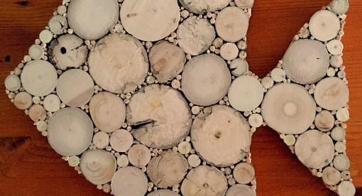 Fisch aus Treibholzscheiben, Detailansicht