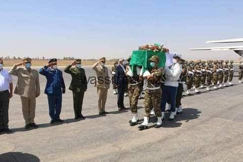 وصول جثمانين من شهداء الواجب الوطني في حرائق تيزي وزو وبجاية