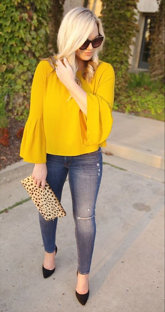 Spring outfit with jeans and yellow blouse
