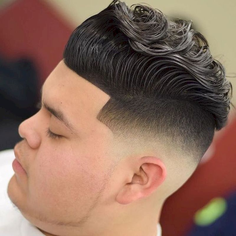 Haircuts for men with wavy upper side hair