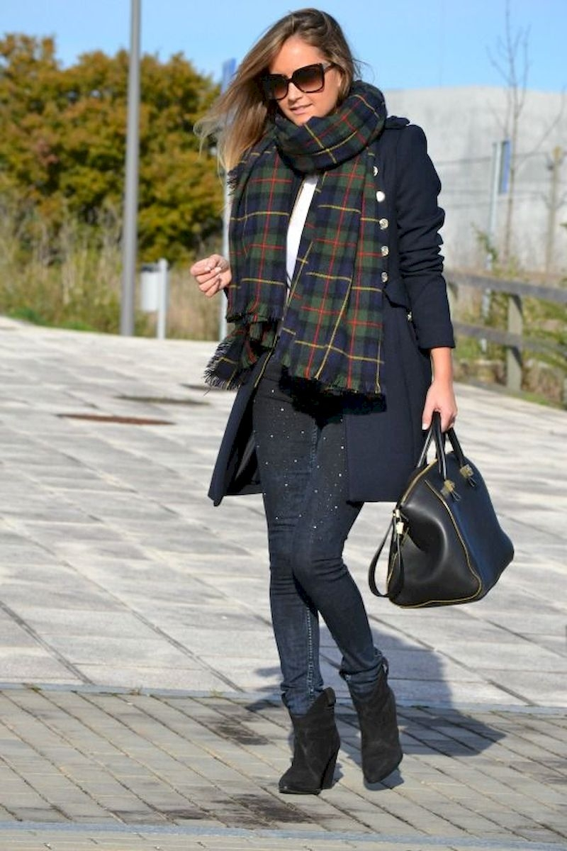 Women outfits with black ankle boots