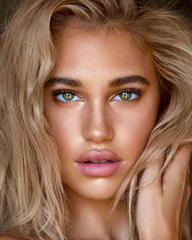 Rose gold makeup with blonde hair
