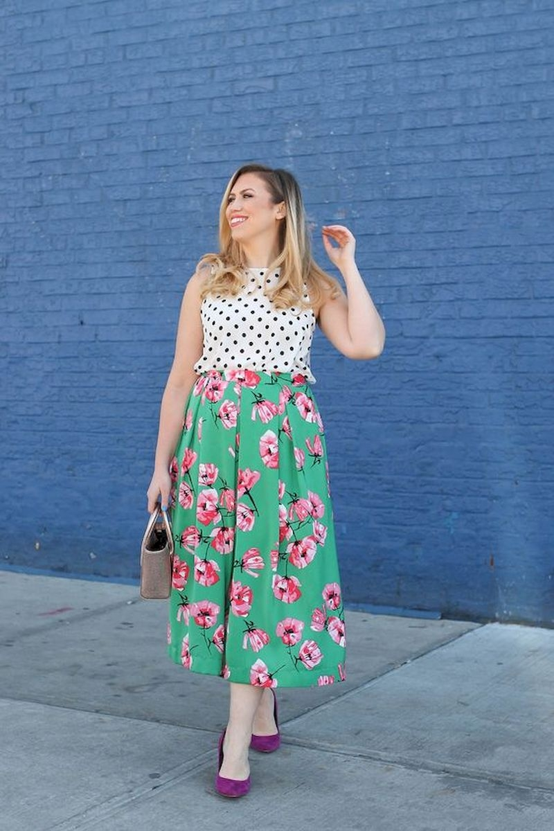 Spring outfit inspiration with pink floral midi skirt