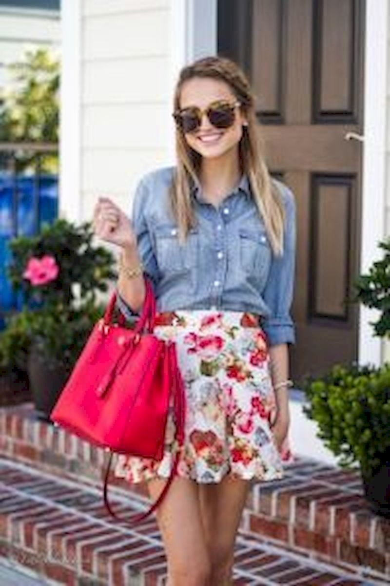 Spring outfit inspiration with short floral skirt and denim shirt