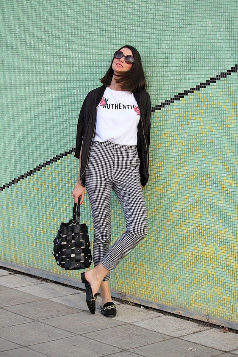Casual spring outfits with t-shirt and plaid pant
