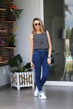 Casual spring outfits with white adidas shoes
