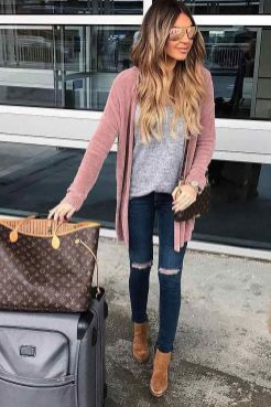 51 Fall Travel Outfit Ideas For You Who Always On The Go (30)