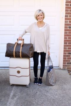 51 Fall Travel Outfit Ideas For You Who Always On The Go (36)