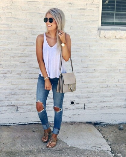 51 Good Inspiration Casual Outfits for Beautiful Women (15)