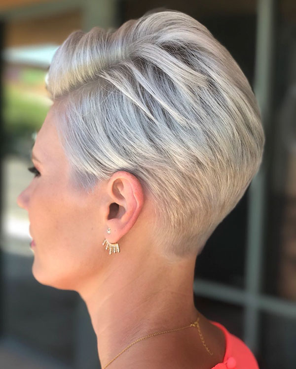Short Layered Blonde Hair