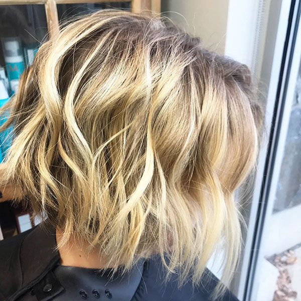 Short Wavy Shaggy Hairstyles