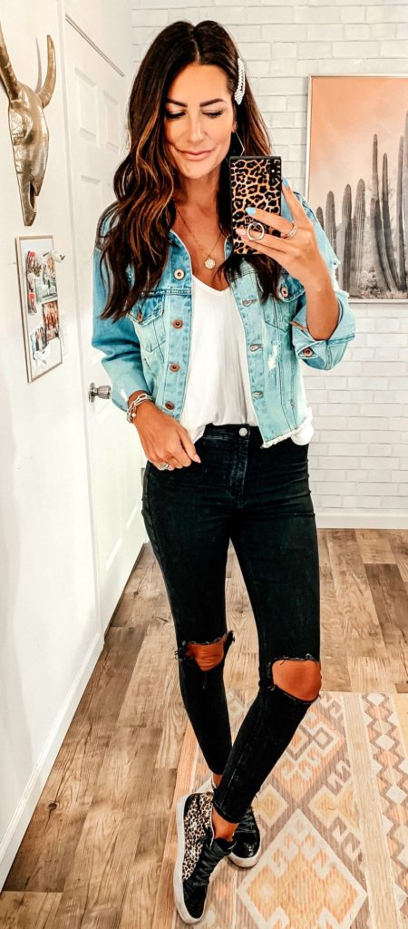25+ Brilliant Summer Outfits To Copy ASAP - blue denim jacket2 #summer #outfits #summeroutfits #summerfashion #summerstyle