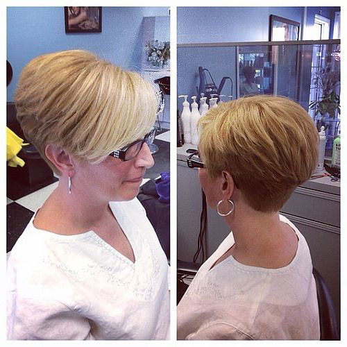 Best Short Haircuts for Older Women-10
