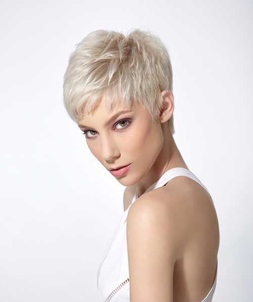 Short Haircuts for Fine Straight Hair-13